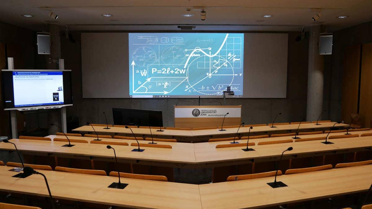 Medientechnik im Physik-Hörsaal der FSU Jena