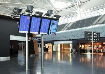 NEC Display Solutions Grossbildschirme Flughafen