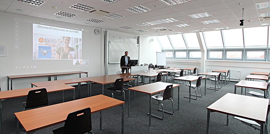 Medientechnik für den hybriden Unterricht an der Northern Business School in Hamburg