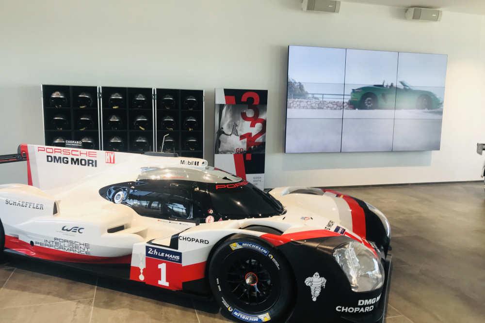 multi-media systeme: Porsche Experience Center am Hockenheimring