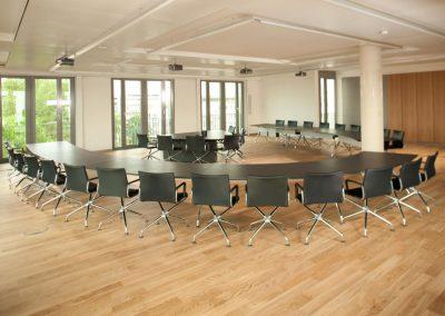 Konferenzraumtechnik bei Management Engineering / AK Media