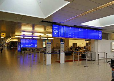 Digital Signage am Flughafen / easescreen